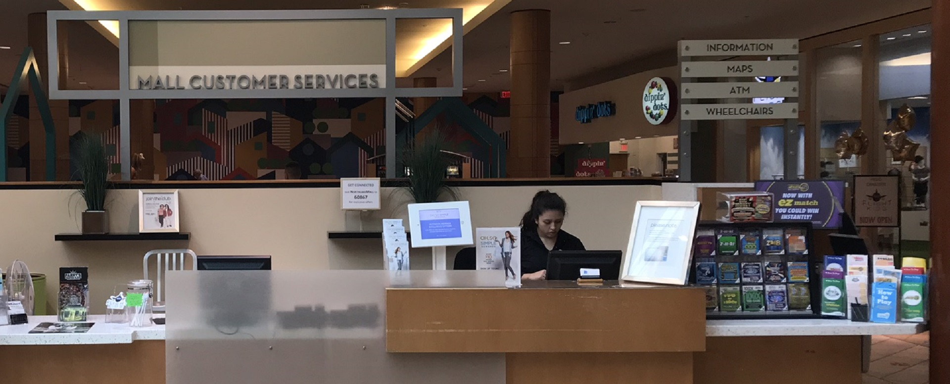 Mall Guest Services Desk